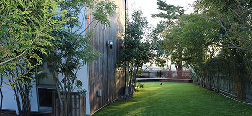 東京都世田谷区 I邸 広大な敷地の外構全般リニューアル。家族全員が愉しめる木を使った快適空間